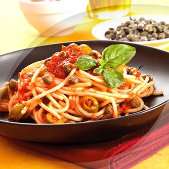 Spaghetti pomodori capperi e olive polli